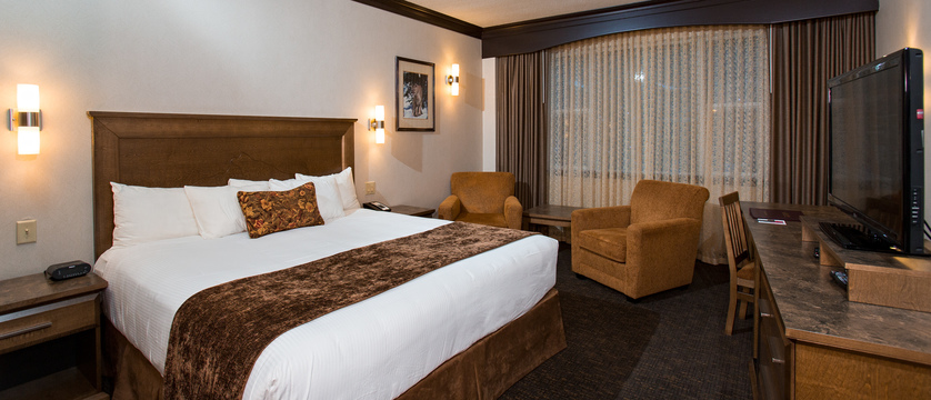 Premium King Bed Rundlestone Lodge.jpg